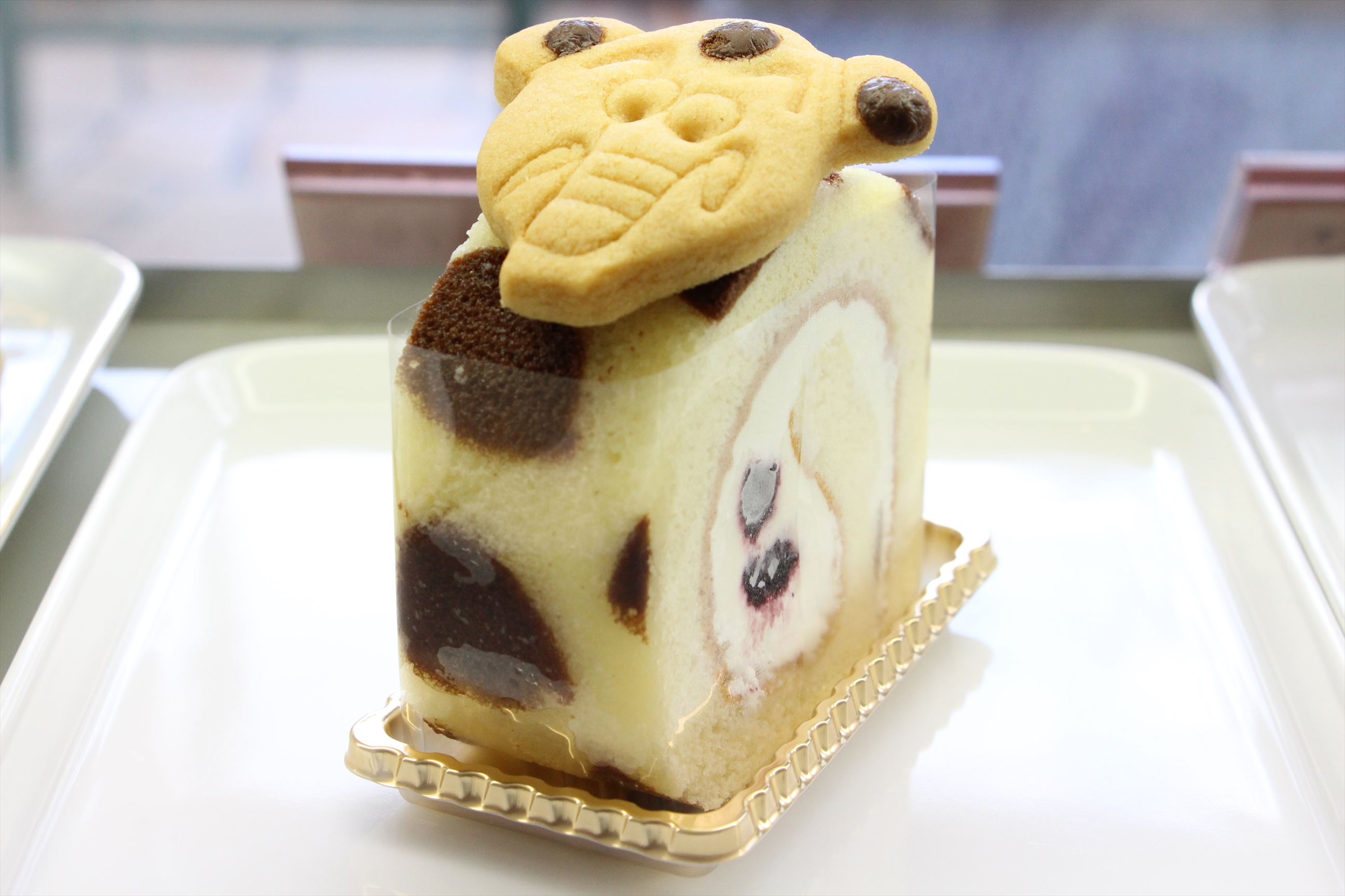南まりかさんにゾウキリンのロールケーキをご紹介いただきました。